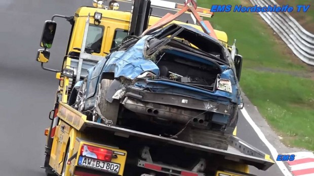 nurburgring-wrecked-cars (1)