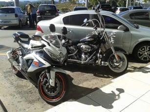 GSX-R 750 Srad e Harley Davidson Heritage