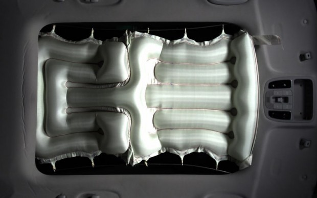 Hyundai-Sunroof-Airbag-1