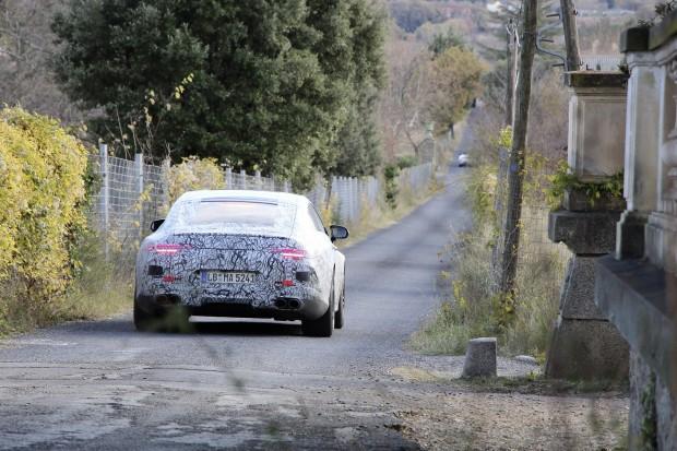 Mercedes-AMG viertüriger GT auf Entwicklungsfahrt