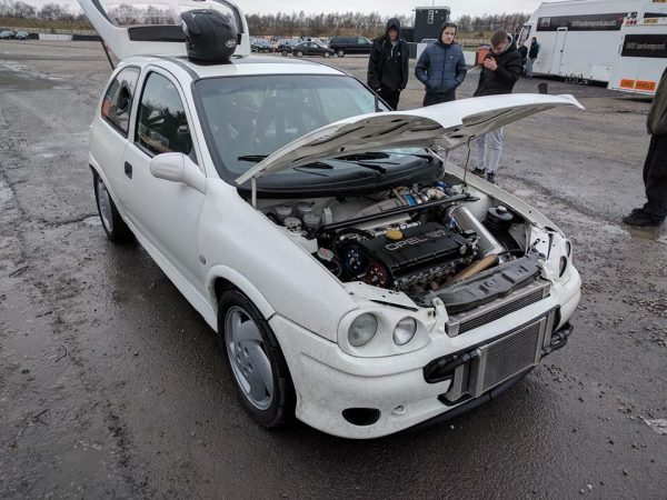 Opel-Corsa-with-two-C20LET-inline-four-engines-02-600x450