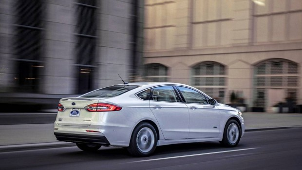 2019-ford-fusion-1