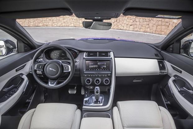 Jaguar E-PACE-9049
