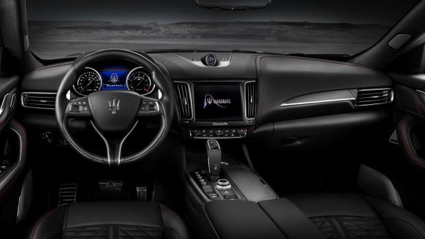 Maserati-Levante-Trofeo-V8-Dashboard-Carbon-trim
