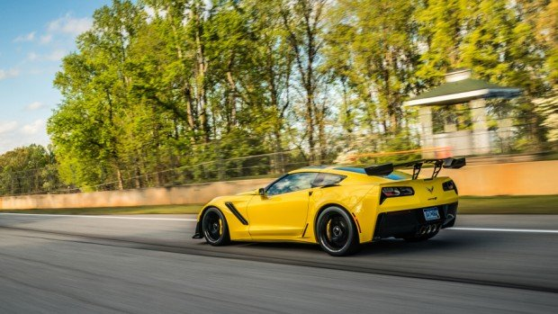 04-2019-chevrolet-corvette-zr1-fd-1