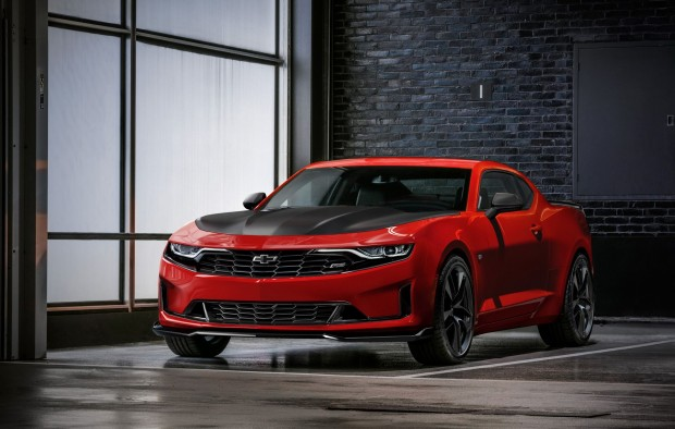 2019-chevrolet-camaro-official-1