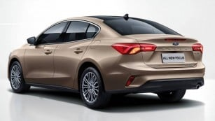 2019-ford-focus-sedan