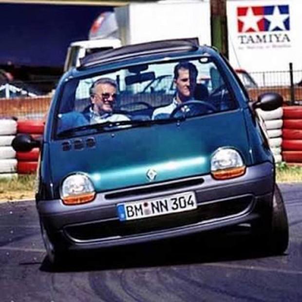 Extra 006 - Schumacher e Twingo, dois mitos nas pistas!
