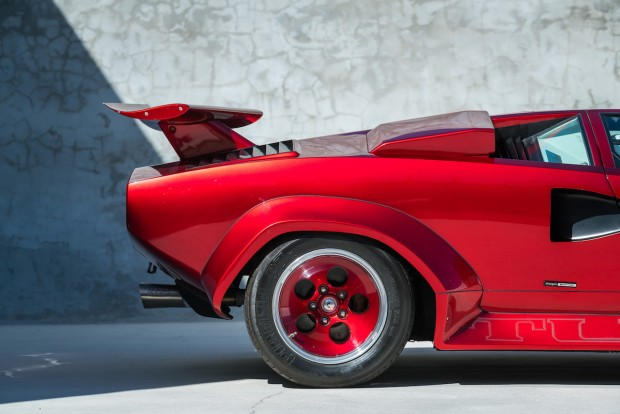 Lamborghini-Countach-Turbo-LP400-S-Low-Body-3-of-14