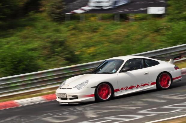 Porsche_996_GT3_RS_at_the_Nürburgring_Nordschleife_Brünnchen
