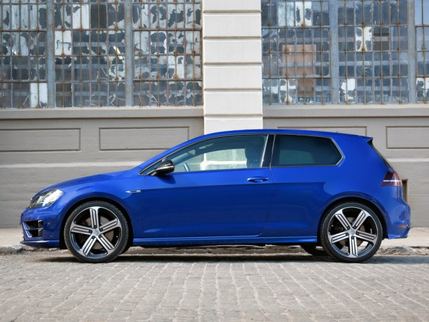 volkswagen_golf_r_3-door_2