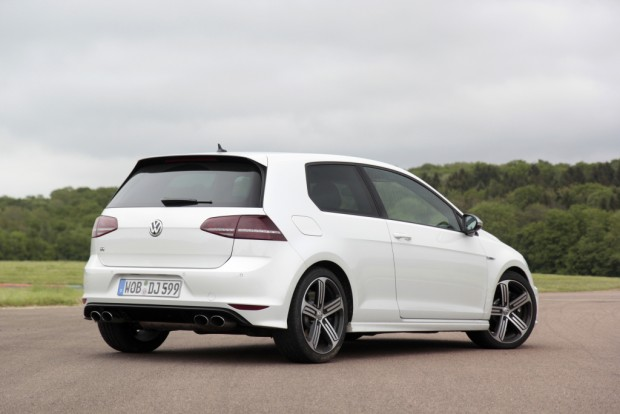 volkswagen_golf_r_3-door_4