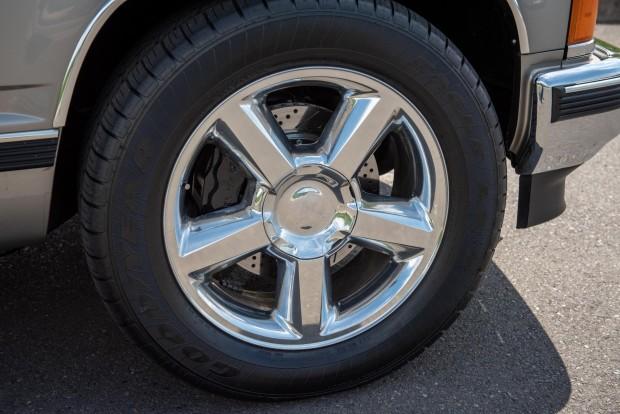 1527045150208495d561998-Chevrolet-Tahoe-LS9-16