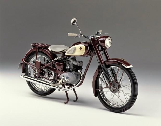 1955-Yamaha-YA-1-02 - a priemira yamaha