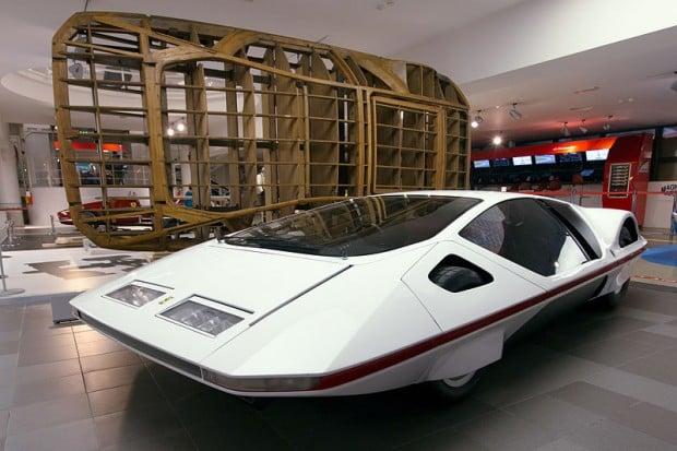 800px-Ferrari_Modulo_and_wooden_frame_Museo_Ferrari