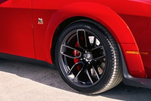 392 Scat Pack Bee fender badges face forward on the 2019 Dodge C