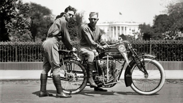 Motorcycle-History-Erwin-Cannon-Ball-Baker_02