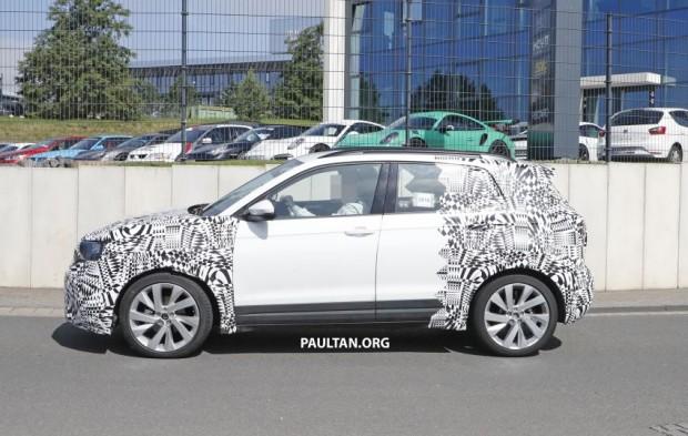 Volkswagen-T-Cross-spyshots-4-850x539