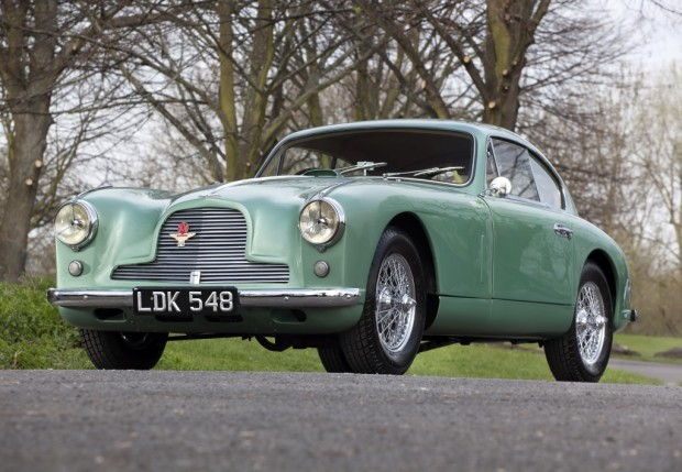 aston_martin_db2_4_sports_saloon_1