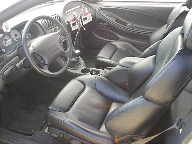 138_0402_z+1999_ford_mustang_boss_351+interior