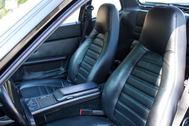 1986-porsche-944-turbo-seat-2400x1600