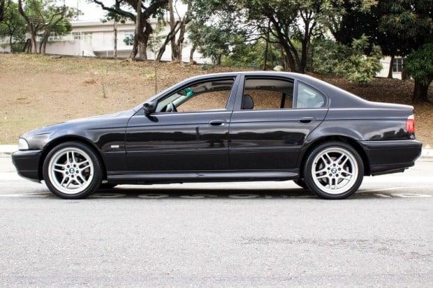 BMW-528i-E39-TheGarage-05