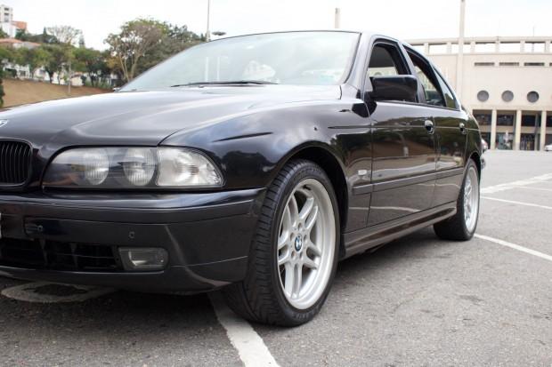 BMW-528i-E39-TheGarage-08-2400x1600