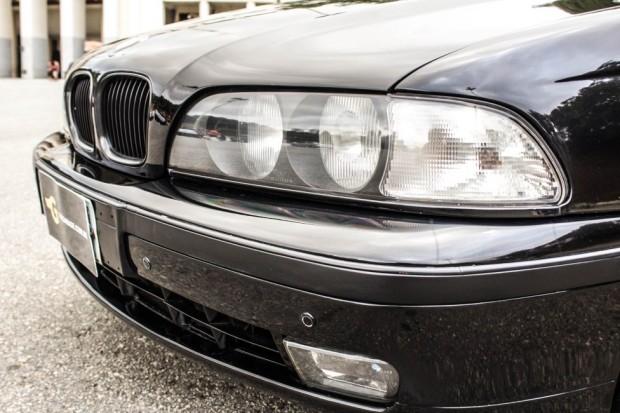 BMW-528i-E39-TheGarage-14