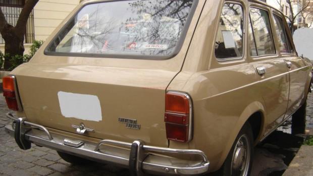 Fiat 128 Giardiniera Familiare 1976 01