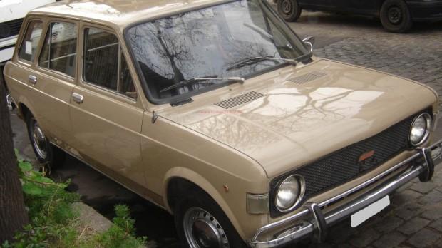 Fiat 128 Giardiniera Familiare 1976 03