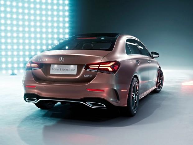 Mercedes-Benz-A-Class_L_Sedan_CN-Version-2019-1600-06-936x703
