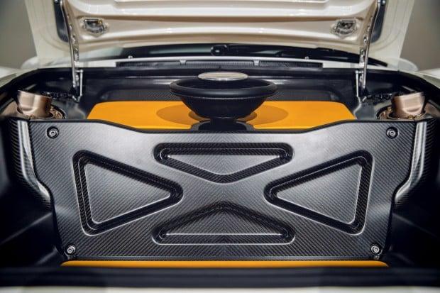 Singer-Vehicle-Design-DLS-13-2000x1333