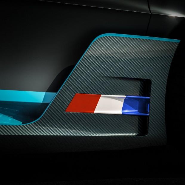 d18361fd-bugatti-divo-teaser-1