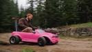 Isso é um Mustang da Barbie com motor de motocross – que vai de zero a 100 km/h em seis segundos!