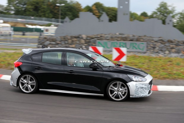 6d1c22f5-ford-focus-st-spy-shots-21