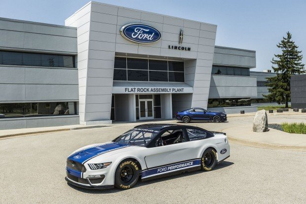 8b1a0fc5-ford-mustang-nascar-8