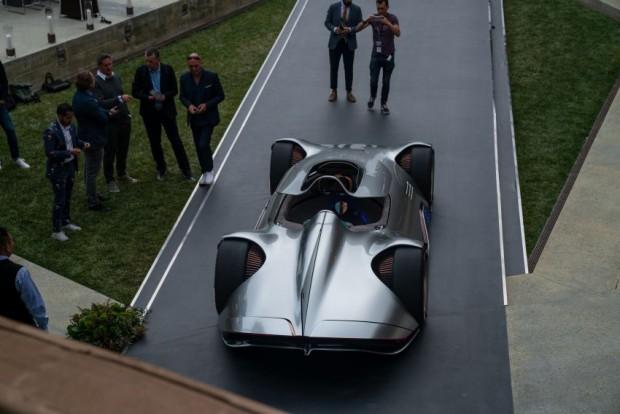 Mercedes-Benz-Vision-EQ-Silver-Arrow-25-850x567