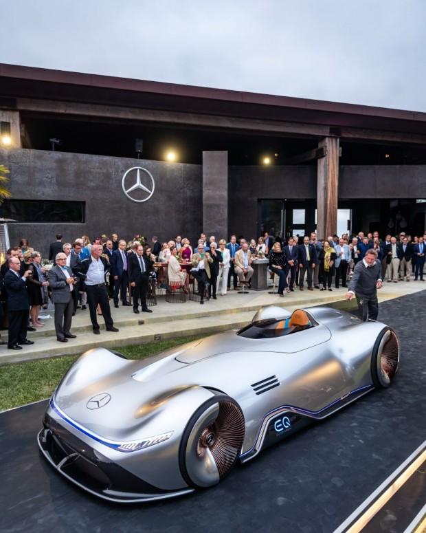 Mercedes-Benz-Vision-EQ-Silver-Arrow-8-850x1063