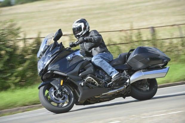 BMW K1600 B LE action