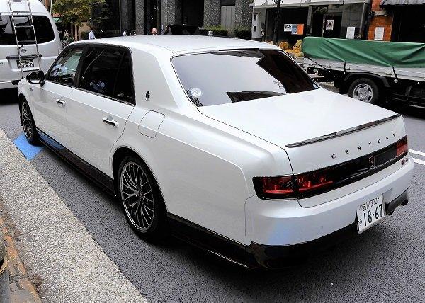 d9760c51-toyota-century-grmn-2