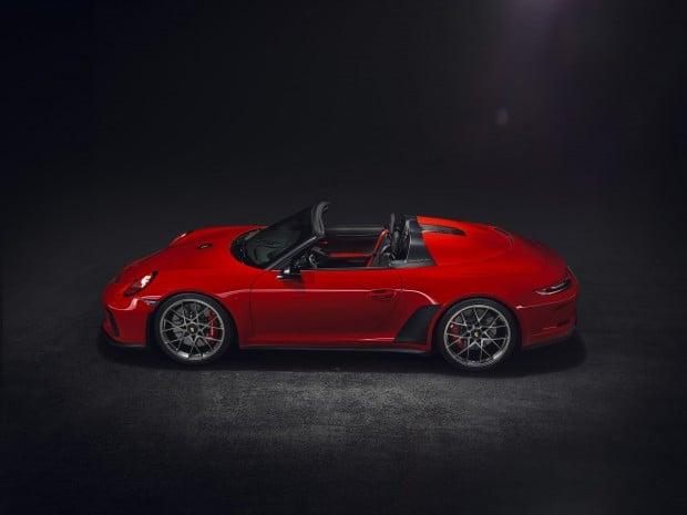 003dc0fd-porsche-911-speedster-paris-red-01