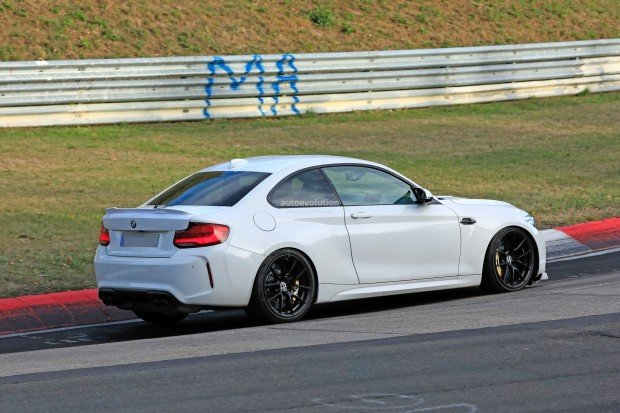 2020-bmw-m2-cs-spotted-on-nurburgring-shows-new-rear-spoiler_28