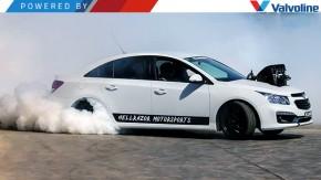 Como transformar o Chevrolet Cruze em um carro muito mais interessante? Coloque um V8 nele!