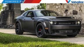 Este Dodge Challenger Demon tem a carroceria toda em fibra de carbono – e um V8 biturbo de 1.400 cv!