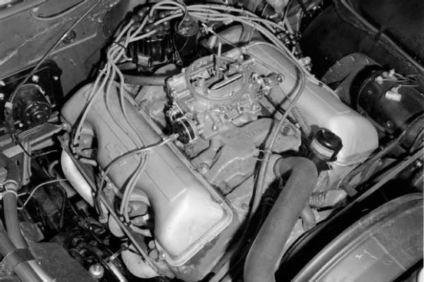 gurney-1961-chevrolet-impala-engine