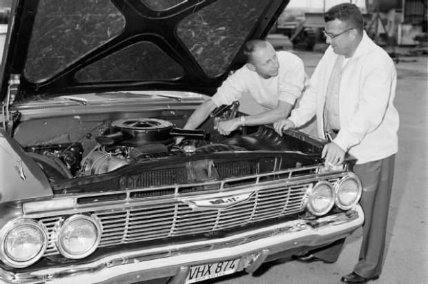 gurney-1961-chevrolet-impala-fowler-thomas-underhood