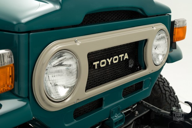 image_5a7cc69b01408_1982-FJ43-107690-Rustic-Green-JAG-056---Hugh-Frater-Studio-011