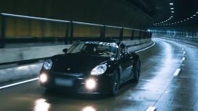 Supersize me: Porsche Cayman com motor de 911 Carrera S – FlatOut Midnight