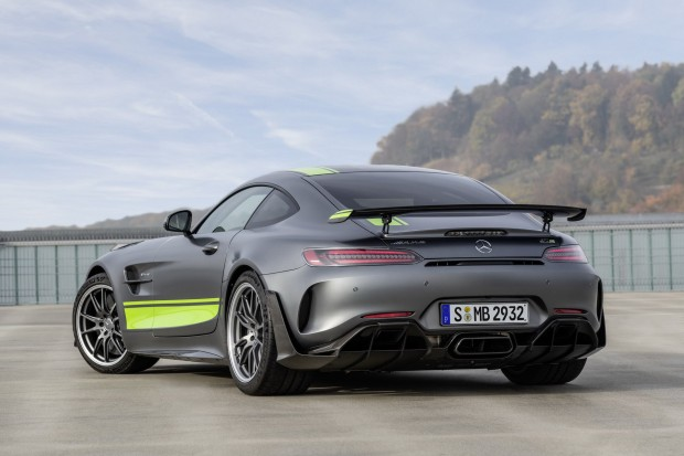 a03325ca-2020-mercedes-amg-gt-and-amg-gt-r-pro-65