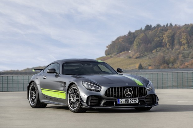 efc54f30-2020-mercedes-amg-gt-and-amg-gt-r-pro-61